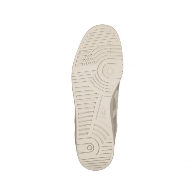 31029dfe542 В 80-х годах прошлого столетия японский бренд Asics создал обувь подходящую  под разнообразные виды спорта. Кеды GEL-VICKKA TRS этой формы та самая ...