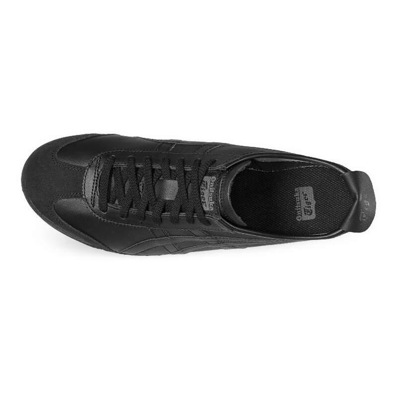 fd6e7a7d076 Тогда легендарную обувь носили в городе Мехико на Олимпийских играх.  Подошва обуви с новым ...